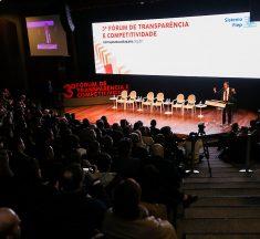 Diminuição do Estado e reforma do sistema político são essenciais no combate à corrupção, defende Barroso