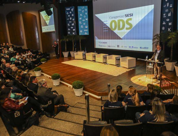 Congresso debate desenvolvimento sustentável em Curitiba